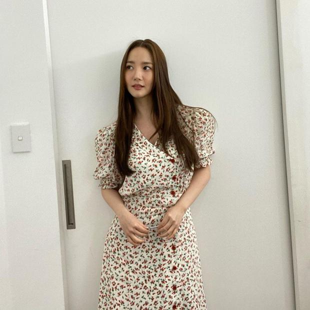 Style của Park Min Young ngày càng thăng hạng dữ dội, hay là yêu rồi nên vậy? - Ảnh 3.