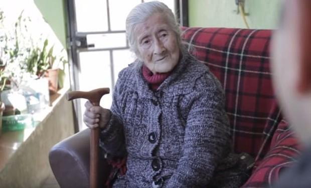 Cụ bà 91 tuổi đi khám vì phát hiện khối u trong bụng, bàng hoàng nhận ra đó là thai nhi nằm trong người suốt 60 năm - Ảnh 2.