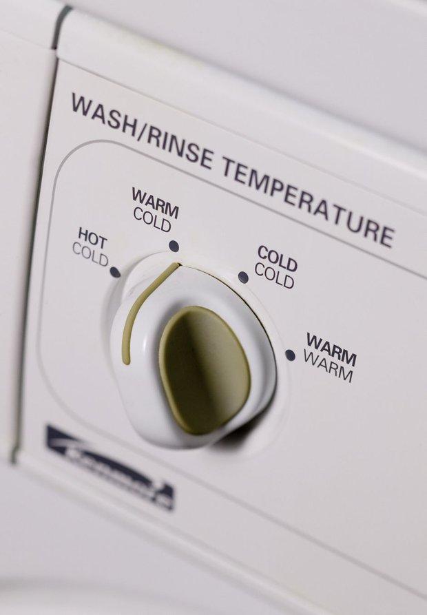 Mùa mưa đến, bỏ túi ngay những mẹo sử dụng máy giặt siêu hay ho để quần áo luôn thơm tho, sạch sẽ - Ảnh 4.