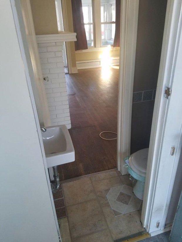 Tuyển tập những nhà vệ sinh hắc ám, nhìn xong là đủ kiên nhẫn nhịn đến lúc về nhà - Ảnh 8.