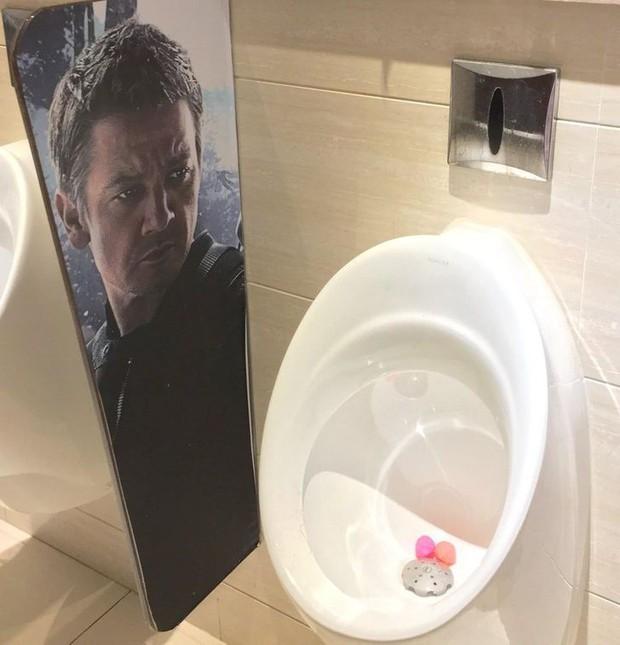 Tuyển tập những nhà vệ sinh hắc ám, nhìn xong là đủ kiên nhẫn nhịn đến lúc về nhà - Ảnh 11.