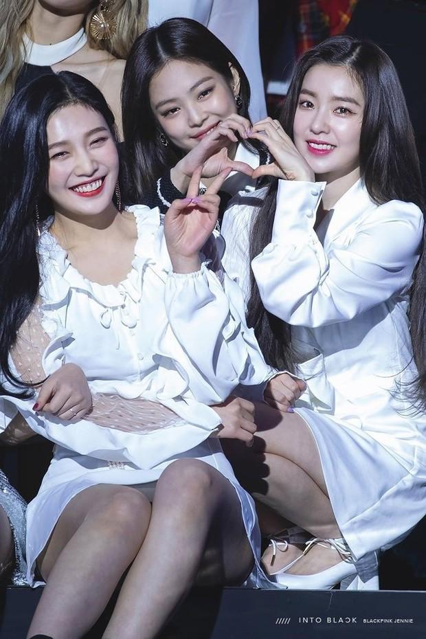 """""""Bội thực"""" trước tổ hợp visual đỉnh nhất Kpop Red Velvet - BLACKPINK ở lễ trao giải: Cả dàn nữ thần xinh như mộng loá cả mắt! - Ảnh 10."""