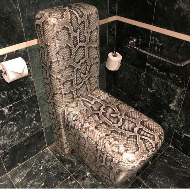 Tuyển tập những nhà vệ sinh hắc ám, nhìn xong là đủ kiên nhẫn nhịn đến lúc về nhà - Ảnh 19.