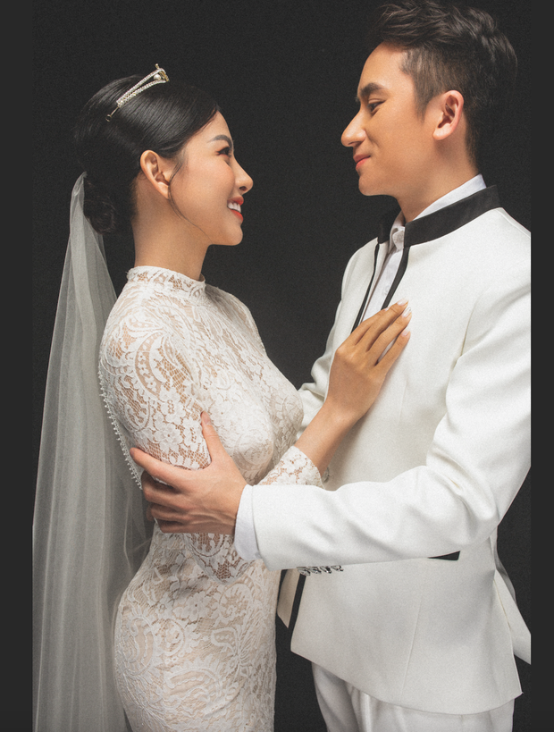 Cuối cùng Phan Mạnh Quỳnh đã tung ảnh cưới: Visual cô dâu chiếm spotlight, góc nghiêng của cặp đôi gây sốt - Ảnh 5.