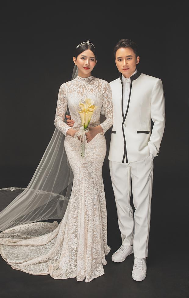 Cuối cùng Phan Mạnh Quỳnh đã tung ảnh cưới: Visual cô dâu chiếm spotlight, góc nghiêng của cặp đôi gây sốt - Ảnh 7.