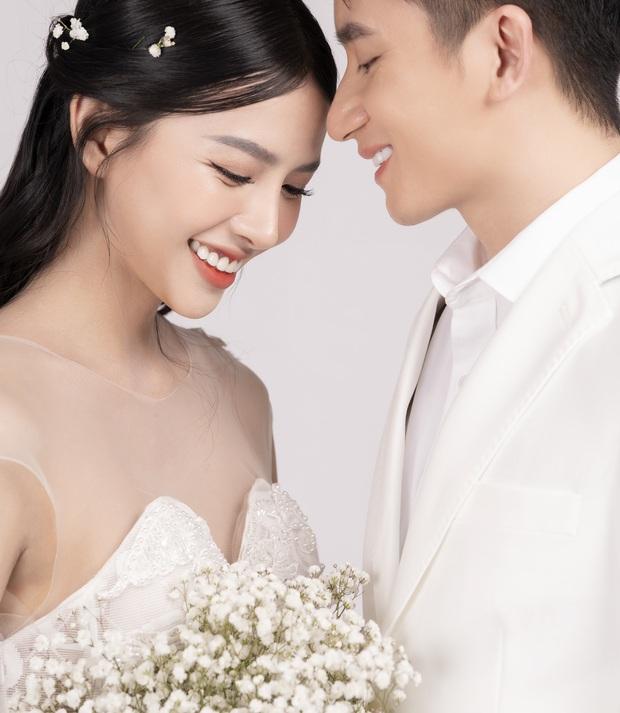 Cuối cùng Phan Mạnh Quỳnh đã tung ảnh cưới: Visual cô dâu chiếm spotlight, góc nghiêng của cặp đôi gây sốt - Ảnh 4.