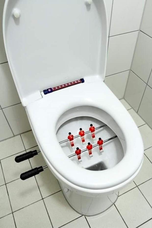 Tuyển tập những nhà vệ sinh hắc ám, nhìn xong là đủ kiên nhẫn nhịn đến lúc về nhà - Ảnh 25.