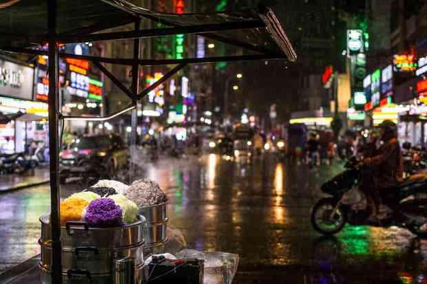 Mùa mưa đến, bỏ túi ngay những mẹo sử dụng máy giặt siêu hay ho để quần áo luôn thơm tho, sạch sẽ - Ảnh 1.
