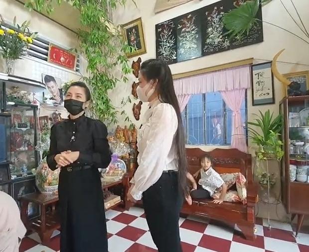 Linh Lan tuyên bố không nhận tiền phúng điếu, ẩn ý vợ cũ NS Vân Quang Long đứng sau vụ đòi giấy tờ huyết thống của bé Helen? - Ảnh 3.