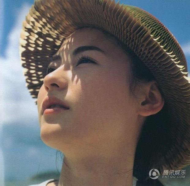 Tái hiện lại bộ ảnh kinh điển 22 năm về trước, nhan sắc của Trương Bá Chi còn khuynh đảo showbiz? - Ảnh 3.