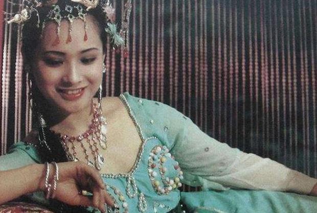 Nữ yêu tinh xinh đẹp, giàu có nhất đoàn làm phim Tây Du Ký 1986 - Ảnh 2.
