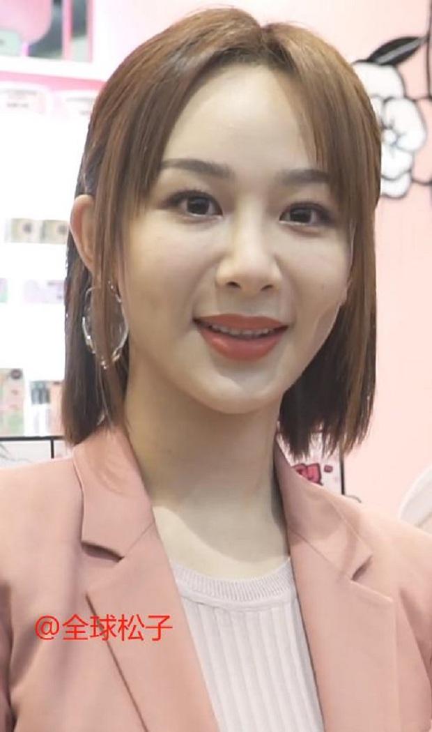 Ảnh chưa PTS của công chúa Huawei vọt lên top 1 Weibo: Gương mặt đơ cứng đến mức bị chê như... Dương Tử tiêm silicon - Ảnh 6.