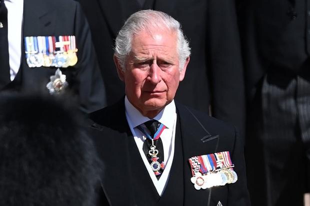 Nhìn lại những khoảnh khắc không thể nào quên trong đám tang Hoàng tế Philip, một trong những ngày buồn nhất của Nữ hoàng Anh - Ảnh 12.