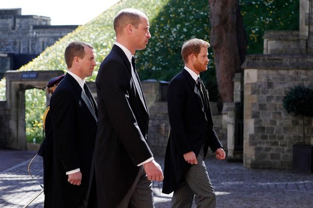 Nhìn lại những khoảnh khắc không thể nào quên trong đám tang Hoàng tế Philip, một trong những ngày buồn nhất của Nữ hoàng Anh - Ảnh 14.