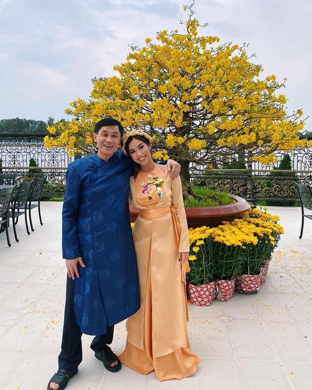Chuyện phía sau chuyên cơ 10 tỷ đưa ái nữ tỷ phú Johnathan Hạnh Nguyễn về nước: Không phải là mình có tiền nhưng con nói chỉ muốn chết thôi - Ảnh 2.