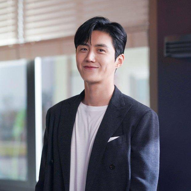 Chán đơn phương Suzy, bé ngoan Kim Seon Ho tìm được nữ chính đời mình ở phim mới - Ảnh 3.