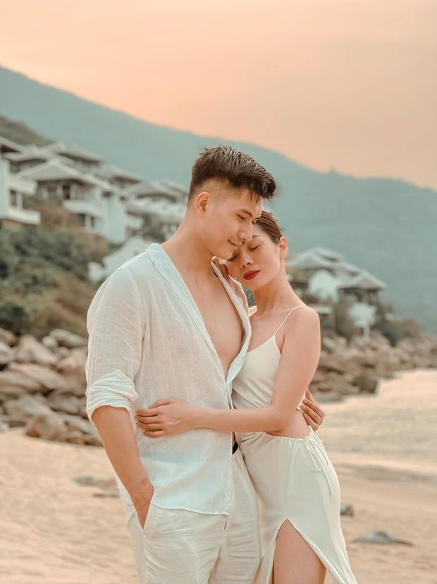 Lệ Quyên đón sinh nhật lãng mạn như lễ cưới, vỡ oà nhắn nhủ lời đặc biệt đến bạn trai kém 12 tuổi Lâm Bảo Châu - Ảnh 3.