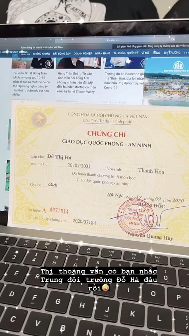 Hoa hậu Đỗ Hà khoe chứng chỉ đi học, tiết lộ chức vụ trong lớp đập tan tin đồn thất học sau khi đăng quang - Ảnh 1.