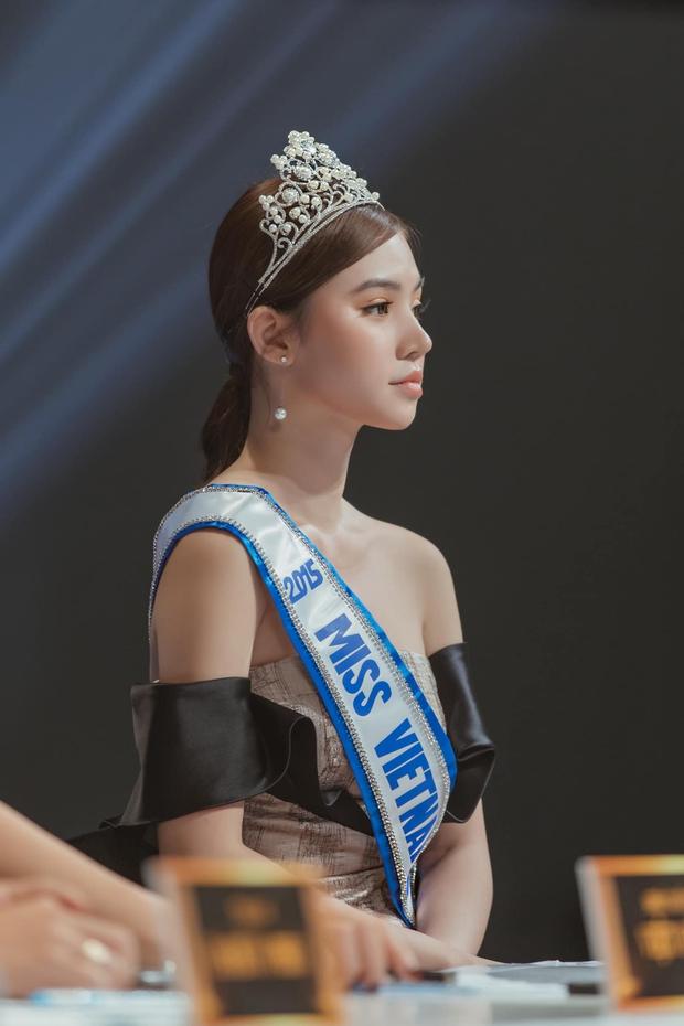 Hoa hậu con nhà giàu Jolie Nguyễn sau 1 năm gặp thị phi chấn động: Đã được cầu hôn, cuộc sống có còn sang chảnh như xưa? - Ảnh 2.