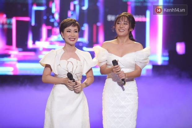 Uyên Linh và Văn Mai Hương tái ngộ, song ca OST Về Nhà Đi Con còn xúc động gửi lời cảm ơn Vietnam Idol - Ảnh 5.