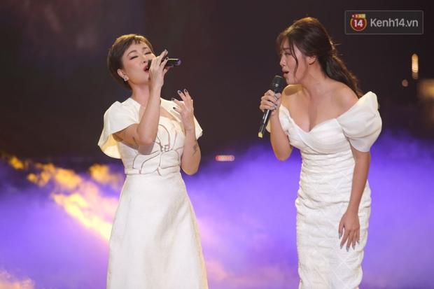 Uyên Linh và Văn Mai Hương tái ngộ, song ca OST Về Nhà Đi Con còn xúc động gửi lời cảm ơn Vietnam Idol - Ảnh 7.