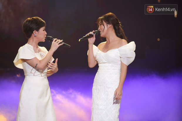 Uyên Linh và Văn Mai Hương tái ngộ, song ca OST Về Nhà Đi Con còn xúc động gửi lời cảm ơn Vietnam Idol - Ảnh 8.