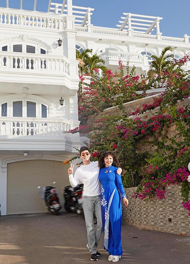 Gia tài Nathan Lee - Ngọc Trinh: Bên có từ villa Beverly Hills 12.000m2 đến bạch dinh 600 tỷ, bên yêu nữ đồ hiệu nức tiếng Vbiz - Ảnh 24.