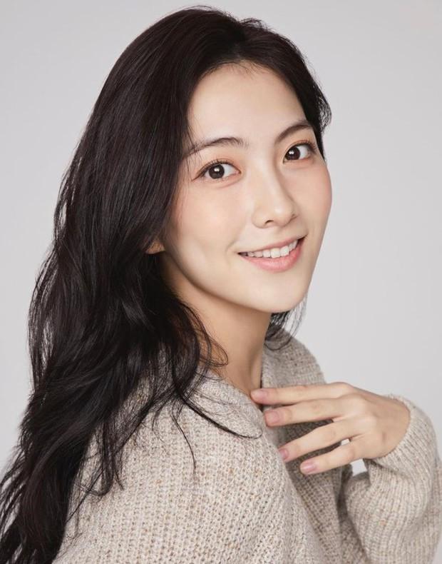 Biến căng Kpop: Nữ idol đình đám một thời của KARA rời công ty giải trí Nhật Bản vì bị chủ tịch nữ quấy rối tình dục? - Ảnh 2.
