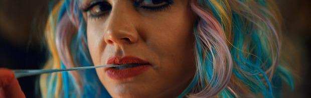 Cô Gái Trẻ Hứa Hẹn: Táo bạo, ám ảnh tận cùng về Văn hóa hiếp dâm và những người đứng-ngoài-lề - Ảnh 11.