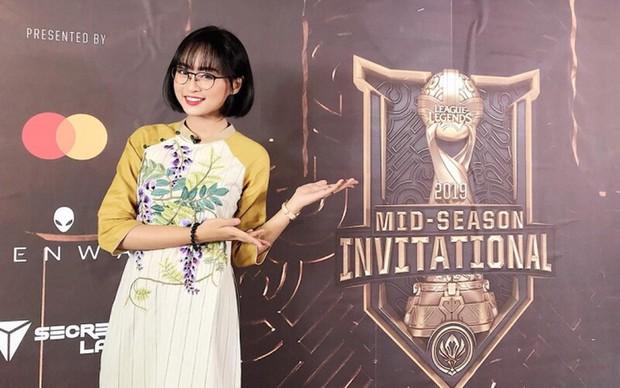 Chuyện nàng công chúa làng eSports Việt - Minh Nghi, từ nữ MC quốc dân của VCS đến biểu tượng sống còn của Tốc Chiến - Ảnh 1.