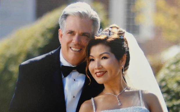 Dành cả đời để theo đuổi giấc mơ Mỹ, mẹ đơn thân gốc Hàn giờ đã là vợ thống đốc kêu gọi người gốc Á đừng im lặng nữa - Ảnh 2.