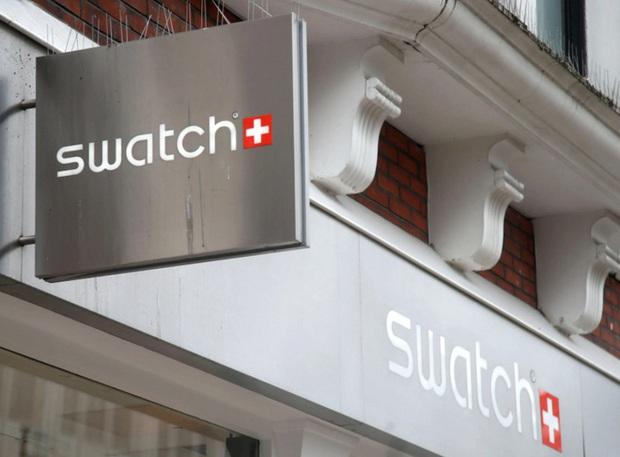 """Apple đánh mất câu nói kinh điển """"One more thing"""" của CEO Steve Jobs vào tay thương hiệu đồng hồ Swatch - Ảnh 2."""