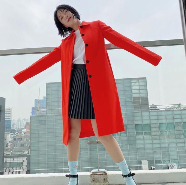 Style thời trang lên hương của bà xã Kang Gary khiến fan khăng khăng đây là idol còn Mực ca chỉ là quản lý! - Ảnh 6.