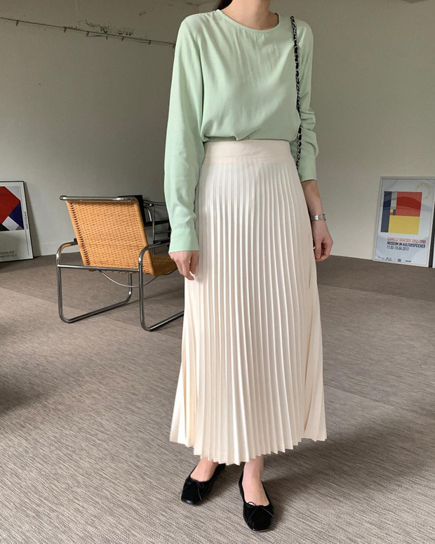 12 cách diện chân váy trắng siêu thanh lịch để các nàng tỏa sáng từ công sở ra phố - Ảnh 5.