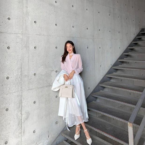 12 cách diện chân váy trắng siêu thanh lịch để các nàng tỏa sáng từ công sở ra phố - Ảnh 6.
