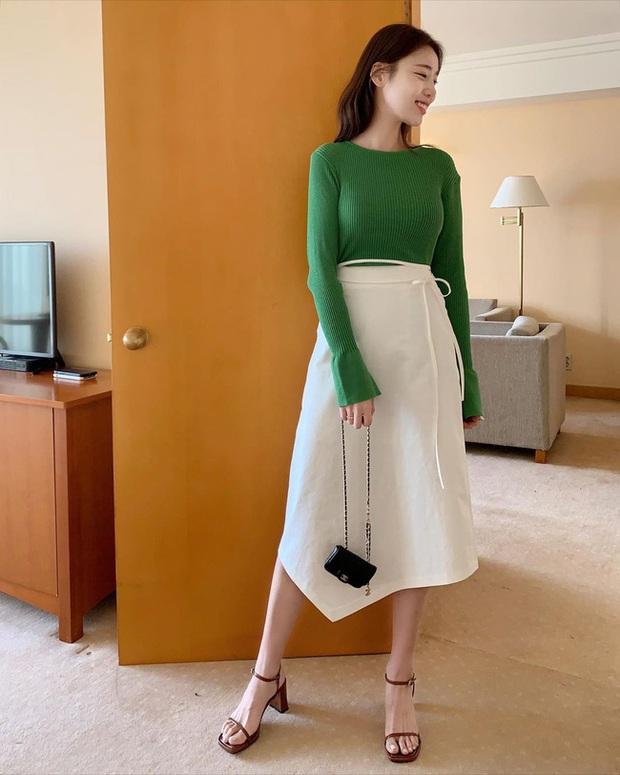 12 cách diện chân váy trắng siêu thanh lịch để các nàng tỏa sáng từ công sở ra phố - Ảnh 8.