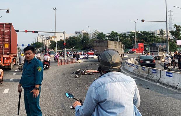 Chạy xe máy vào nhầm làn ô tô, người đàn ông chết thảm - Ảnh 3.