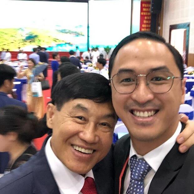 Johnathan Hạnh Nguyễn: Ông bố tỷ phú bên ngoài nhiều tiền, bên trong có trái tim ấm áp khiến ai cũng tan chảy - Ảnh 10.