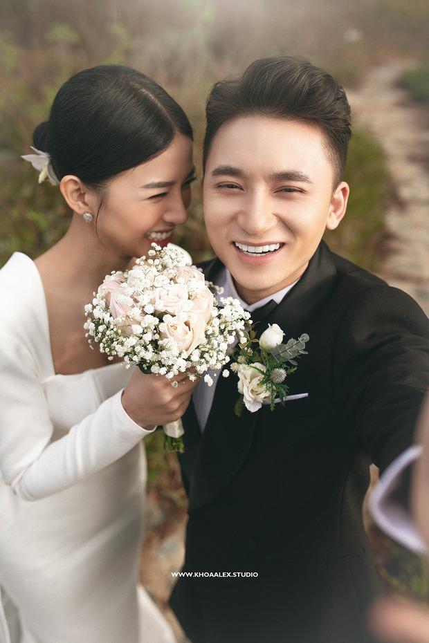 Giữa drama, Phan Mạnh Quỳnh và cô dâu hot girl bỗng lộ ảnh cưới chưa từng được công bố: Đẹp như phim thế này nhìn muốn cưới quá! - Ảnh 2.