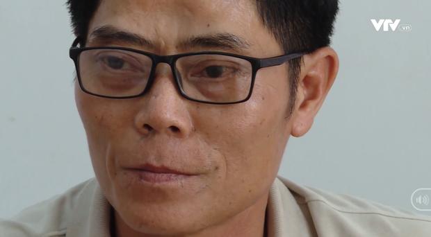 Phẫn nộ trước vẻ thản nhiên của nghi can hiếp dâm, sát hại bé 5 tuổi ở Vũng Tàu tại Cơ quan công an - Ảnh 2.