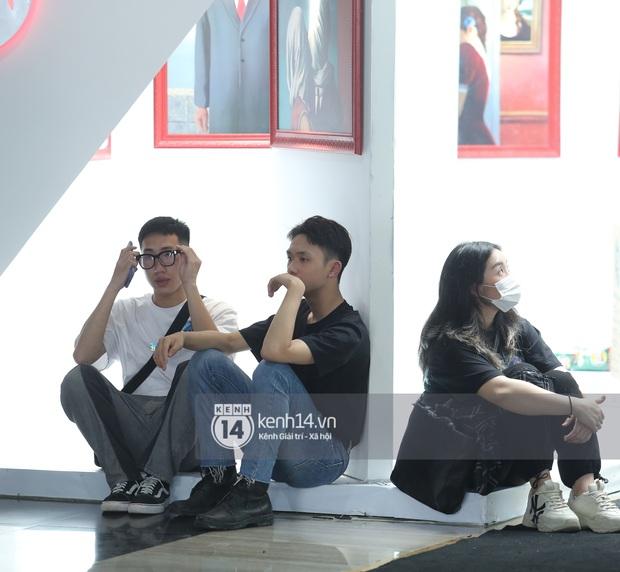 Bà hàng xóm đột nhập vòng casting Rap Việt: Buôn từ chuyện Dế Choắt đến tình hình khấm khá của quán trà đá phố Hàng Da - Ảnh 6.
