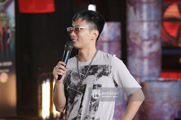 Độc quyền: Bộ 3 giám khảo Touliver, Rhymastic, JustaTee tập trung cao độ tại vòng casting Rap Việt miền Bắc - Ảnh 7.