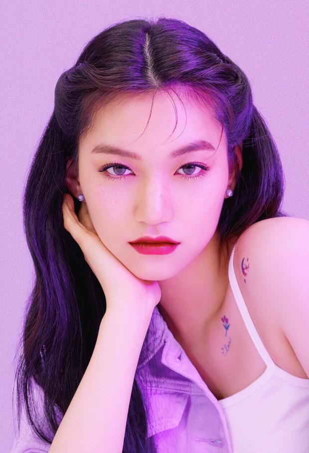 9 idol hiếm hoi được gọi là công chúa băng giá: Chị em Jessica và Irene làm nên khái niệm, nhưng bất ngờ nhất là Jennie - Ảnh 10.