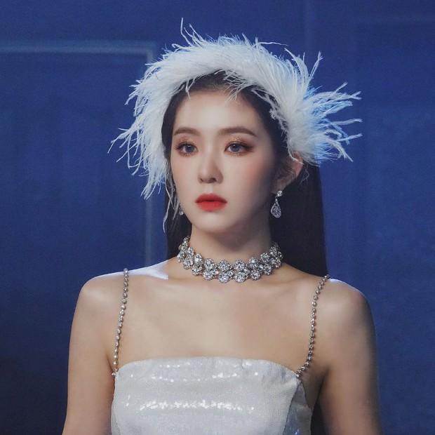 9 idol hiếm hoi được gọi là công chúa băng giá: Chị em Jessica và Irene làm nên khái niệm, nhưng bất ngờ nhất là Jennie - Ảnh 22.