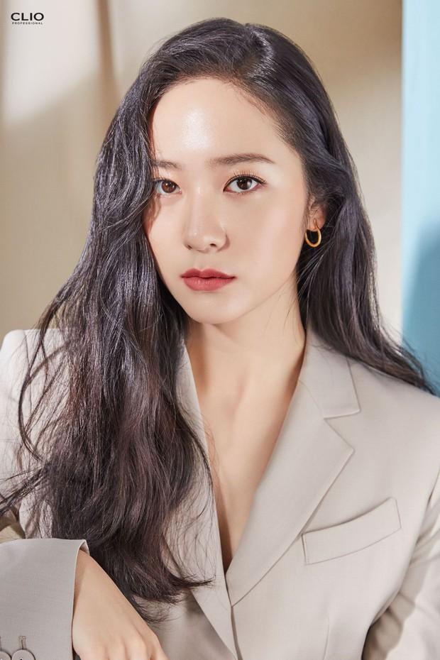 9 idol hiếm hoi được gọi là công chúa băng giá: Chị em Jessica và Irene làm nên khái niệm, nhưng bất ngờ nhất là Jennie - Ảnh 8.