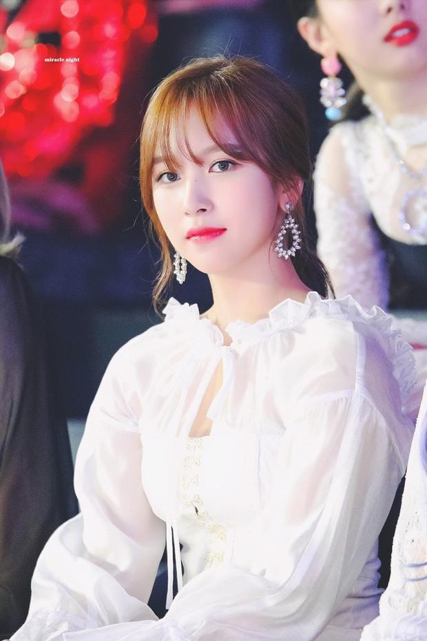 9 idol hiếm hoi được gọi là công chúa băng giá: Chị em Jessica và Irene làm nên khái niệm, nhưng bất ngờ nhất là Jennie - Ảnh 20.