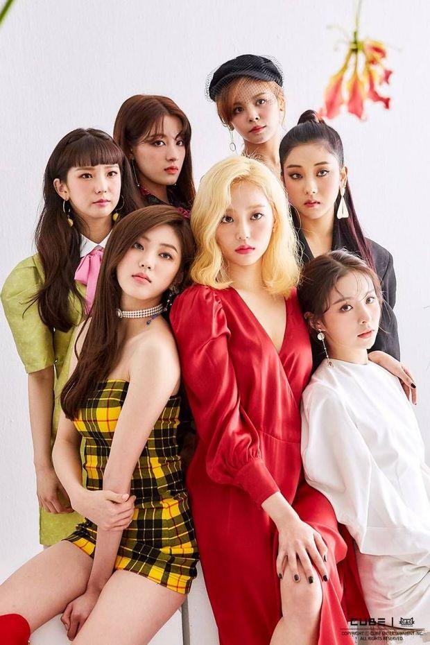 Nữ idol ngoại quốc uất ức rời nhóm vì bị đối xử bất công, chỉ trích công ty bán hit cho IZ*ONE dù nhóm mình đã thu âm xong - Ảnh 1.