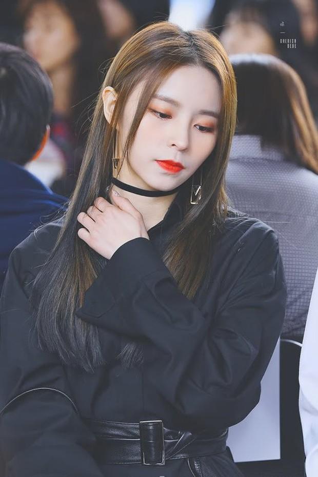 Nữ idol ngoại quốc uất ức rời nhóm vì bị đối xử bất công, chỉ trích công ty bán hit cho IZ*ONE dù nhóm mình đã thu âm xong - Ảnh 3.
