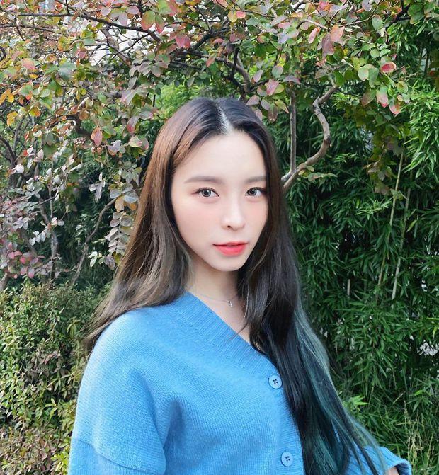Nữ idol ngoại quốc uất ức rời nhóm vì bị đối xử bất công, chỉ trích công ty bán hit cho IZ*ONE dù nhóm mình đã thu âm xong - Ảnh 5.