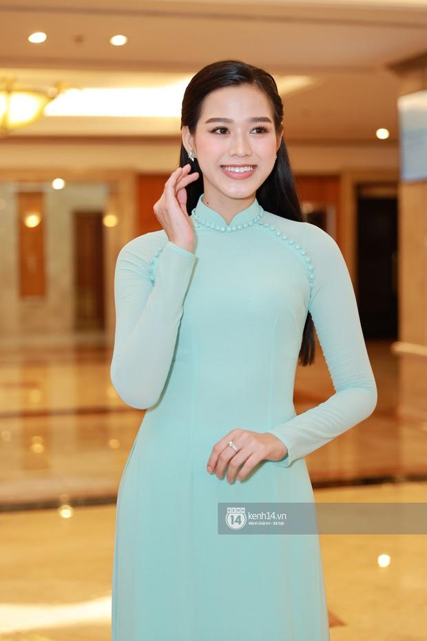 """""""Camera thường"""" chấm điểm loạt Hoa hậu tại event: Lương Thuỳ Linh ốm đi trông thấy, Đỗ Mỹ Linh nền nã lấn át cả đàn em - Ảnh 8."""